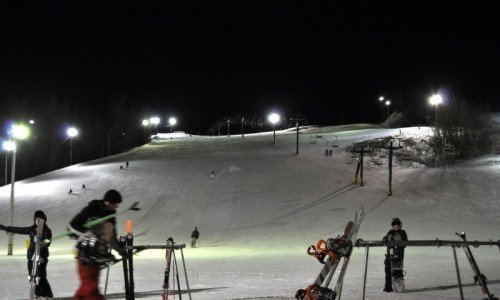 night skiing, skiing, snowboarding, chairlift, season pass, edmonton, ski hill