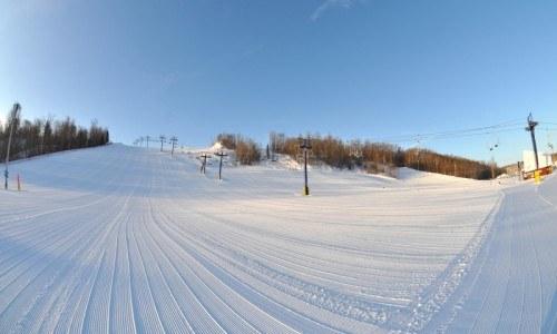 ski, snowboard, edmonton ski, edmonton snowboard, adult season pass, lift ticket