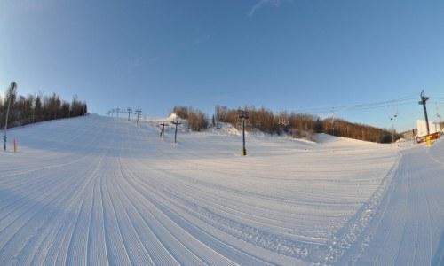 ski, snowboard, edmonton ski, edmonton snowboard, student season pass, lift ticket